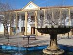 Plaza y Ayuntamiento de Arenas de S. Juan