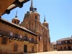 Plaza e Iglesia de San Carlos del Valle