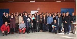 Foto de familia con los representantes de los grupos de acción local pertenecientes a RECAMDER
