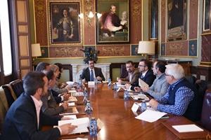 El presidente de la Diputación con los responsables de los grupos de acción local de la provincia de Ciudad Real