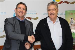 Luis Díaz-Cacho y Gregorio Martín-Zarco escenifican la colaboración entre ambas instituciones                          Foto: GACETA