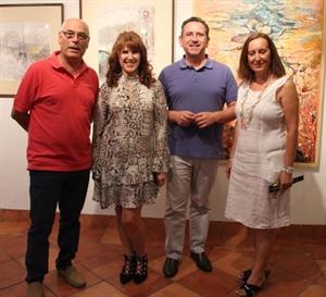 María Luisa García, entre el Alcalde de La Solana, Luis Díaz-Cacho y el concejal de cultura, Luis Romero