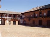 Plaza de San Carlos del Valle. Imagen de archivo. AGM